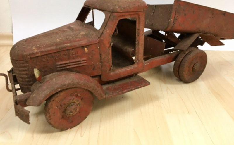 А вы знали сколько стоят старые игрушки времен ссср!