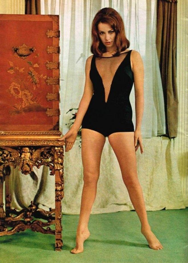 Как и у предыдущей героини, за плечами француженки Клодин — работа моделью и участие в крупных