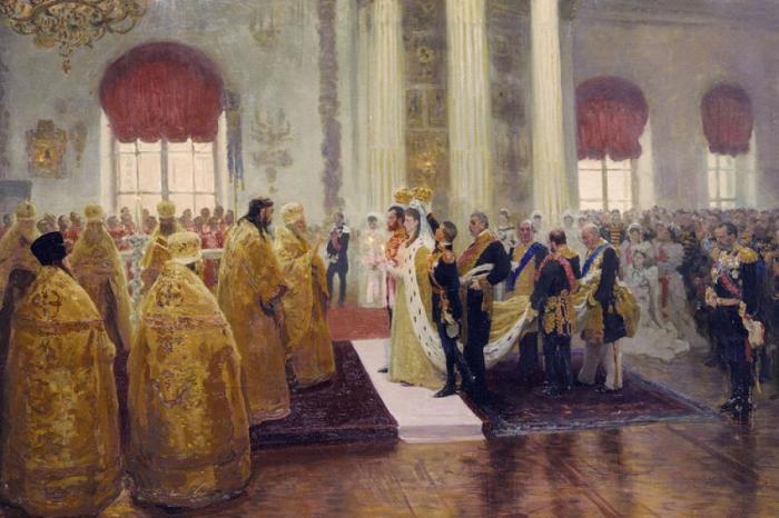 Невеста на этих картинах — гессенская принцесса Алиса, в православии — Александра Федоровна, и, коне