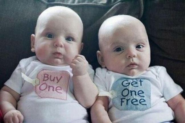 Доказательства того, что близнецы в семье — ноль шансов на скуку (15 фото)