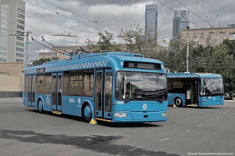 Филёвский автобус тролл. парк. 09.09.17.08..jpg