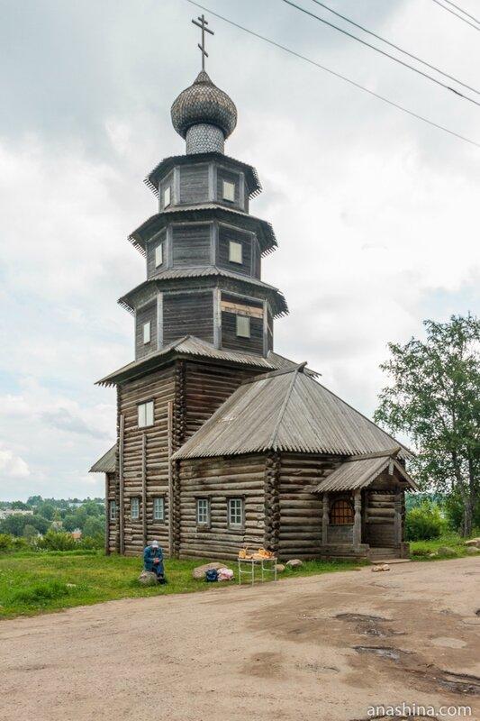 Старо-Вознесенская (Тихвинская) деревянная церковь в Торжке