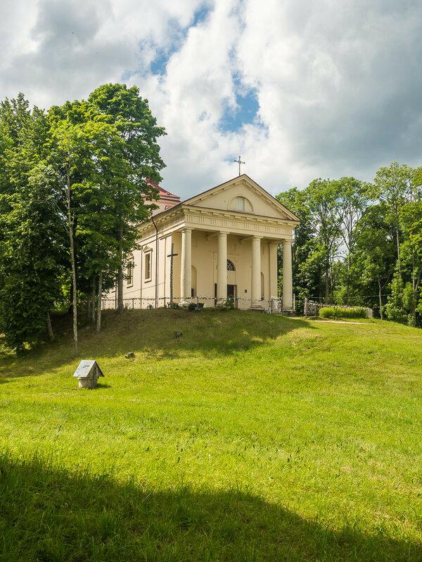 Вишнево. Костёл св. Тадеуша, 1811–20 гг., классицизм.
