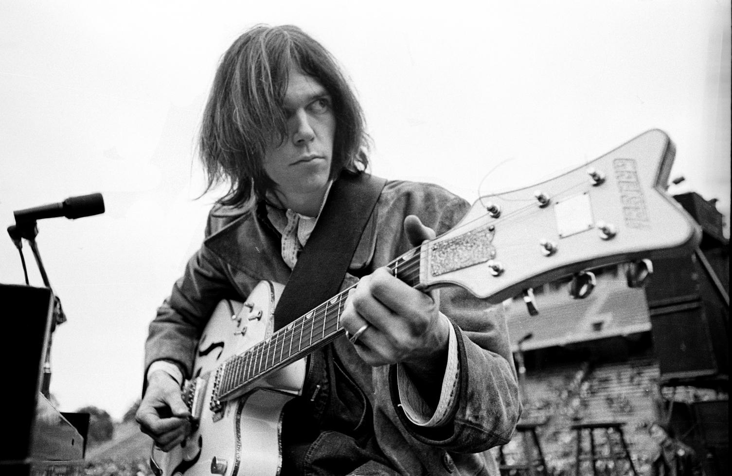 1969. Нил Янг
