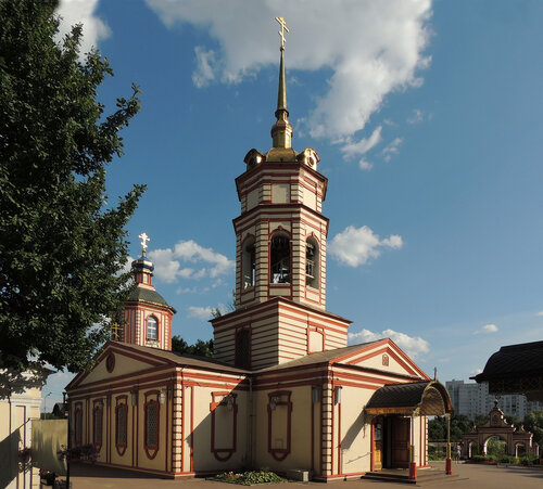 Церковь Воздвижения Креста Господня в Алтуфьеве