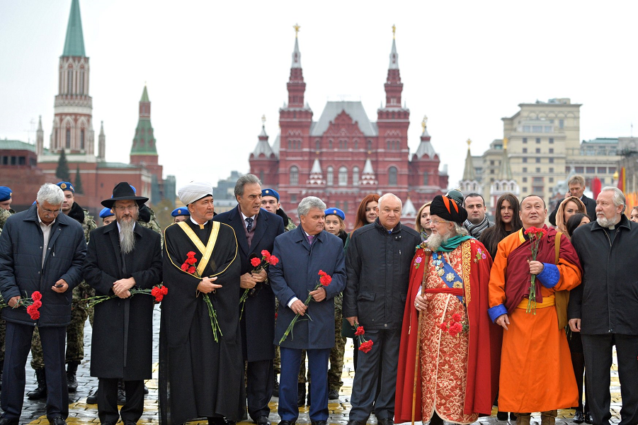 Руководители церквей на Красной площади, 4.11.15.png
