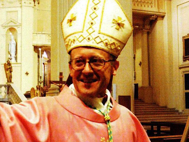 Епископ Томазо Гирелли призвал мусульман осудить терроризм или уехать из Европы