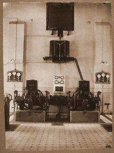 Вид  дизельного генератора в одном из цехов мастерской.