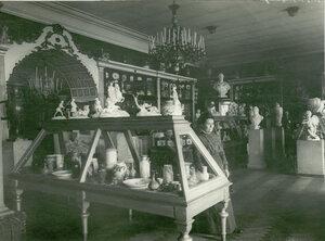 Выставка изделий завода.
