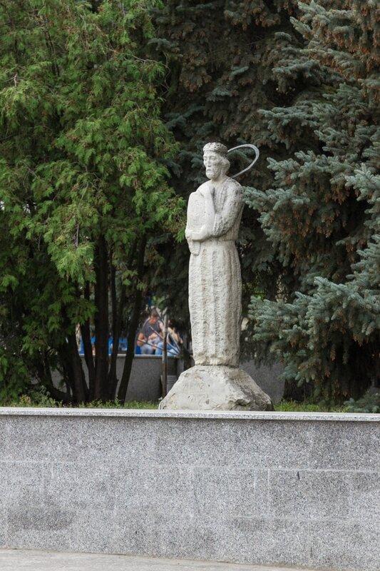 Статуя святого, Пенза