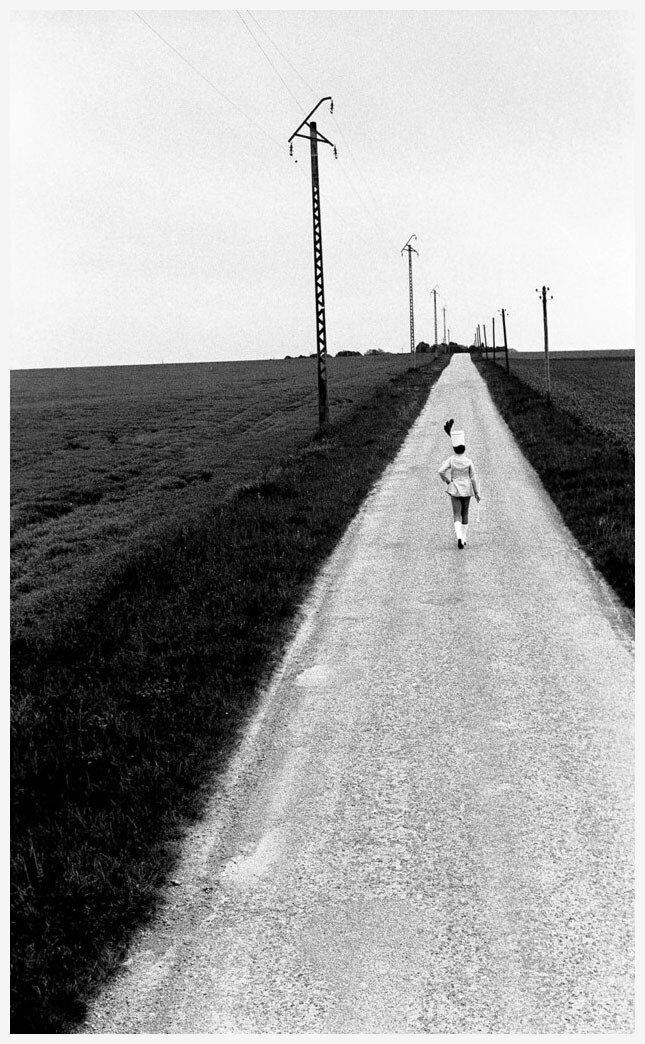 1973. Чирлидерша на шоссе в Питивье