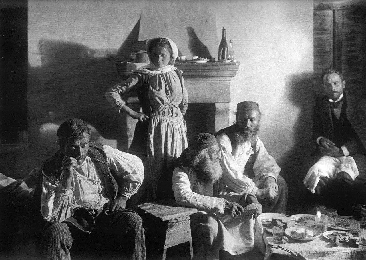1903. Земено. В гостях у одной семьи