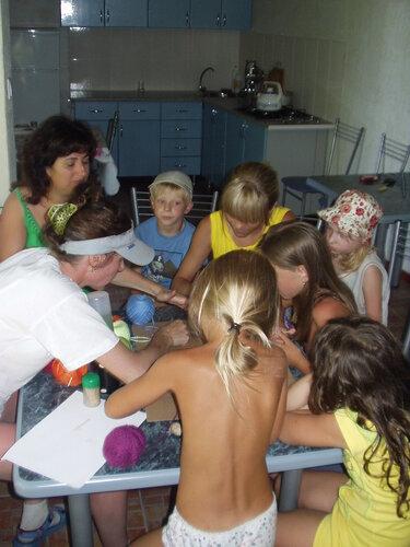 Занятие с детьми ниткографией.