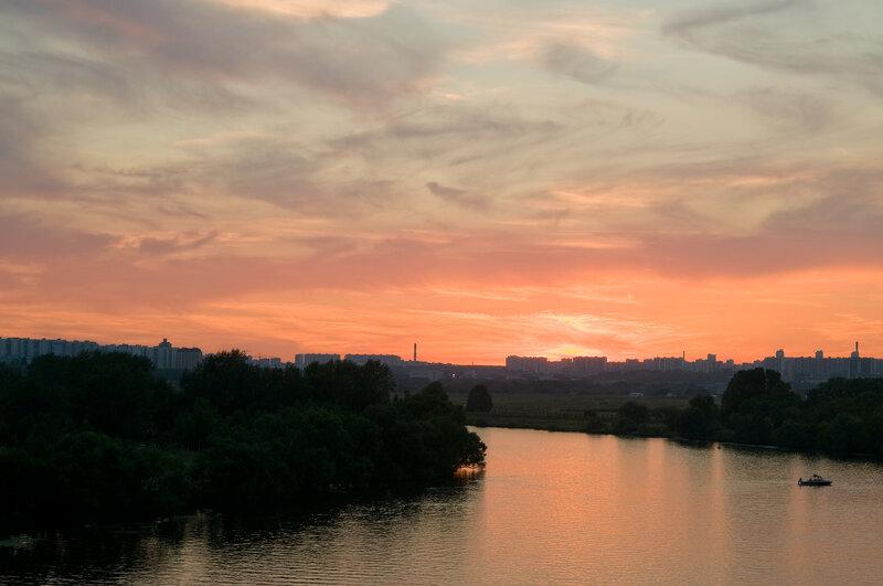 Закат над Москвой-рекой