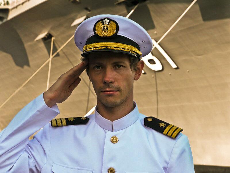 фото форма капитана корабля