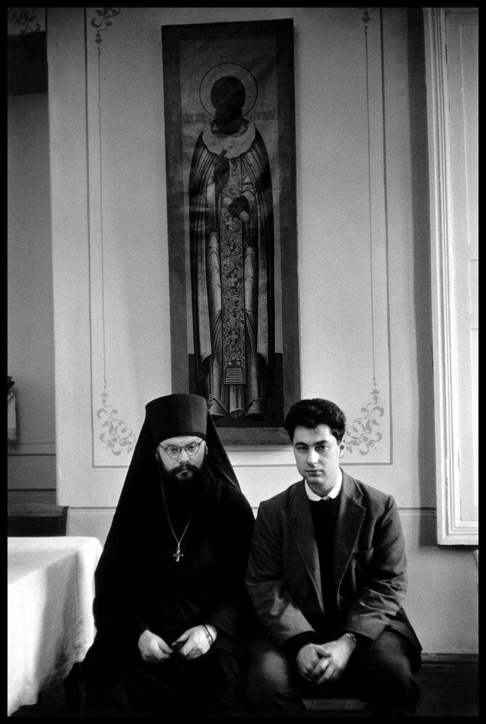 RUSSIA. Zagorsk. American photographer Elliott ERWITT. 1957.jpg