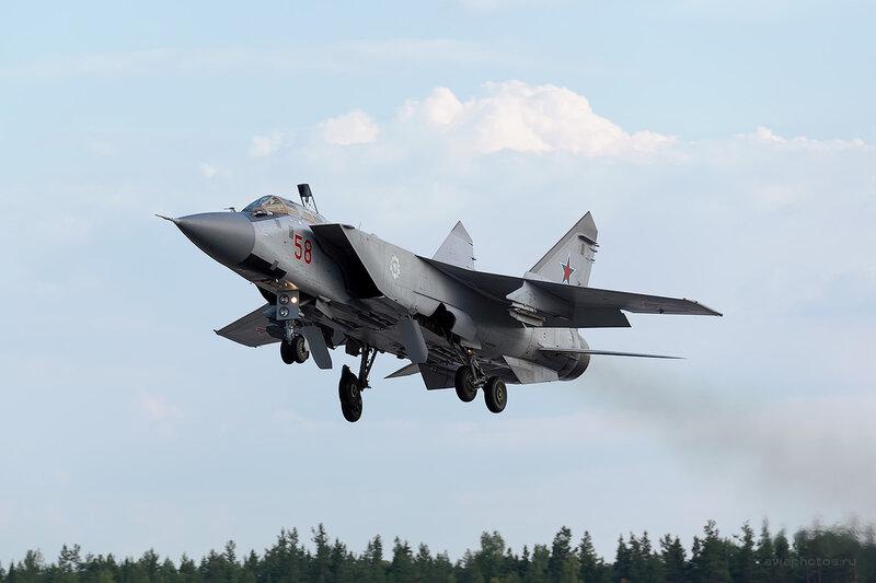 Микоян-Гуревич МиГ-31 (RF-95200 / 58 красный) D806530a