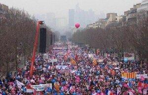 Franta protesteaza impotriva casatoriilor homosexuale.jpg