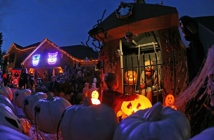 Тыквы и страшные костюмы: мир празднует Хэллоуин 2014 года 0 106aba 9843e2dc orig