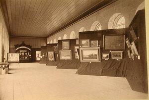 Вид части зала в Художественном отделе выставки.