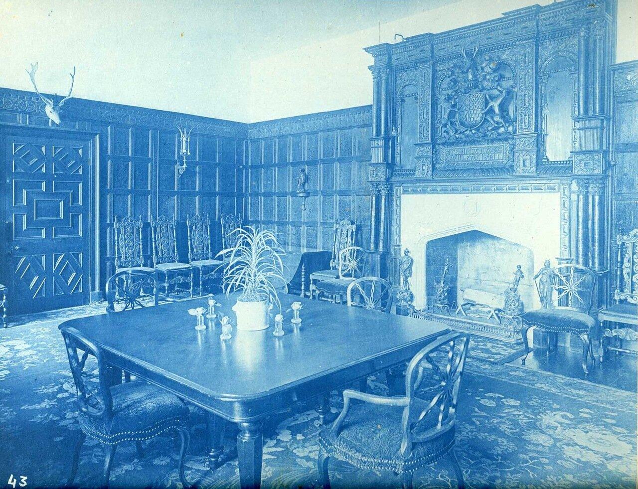 Столовая в замке  Сент-Фаган. Сент-Фаган, Кардифф, Уэльс. 29 июня 1892