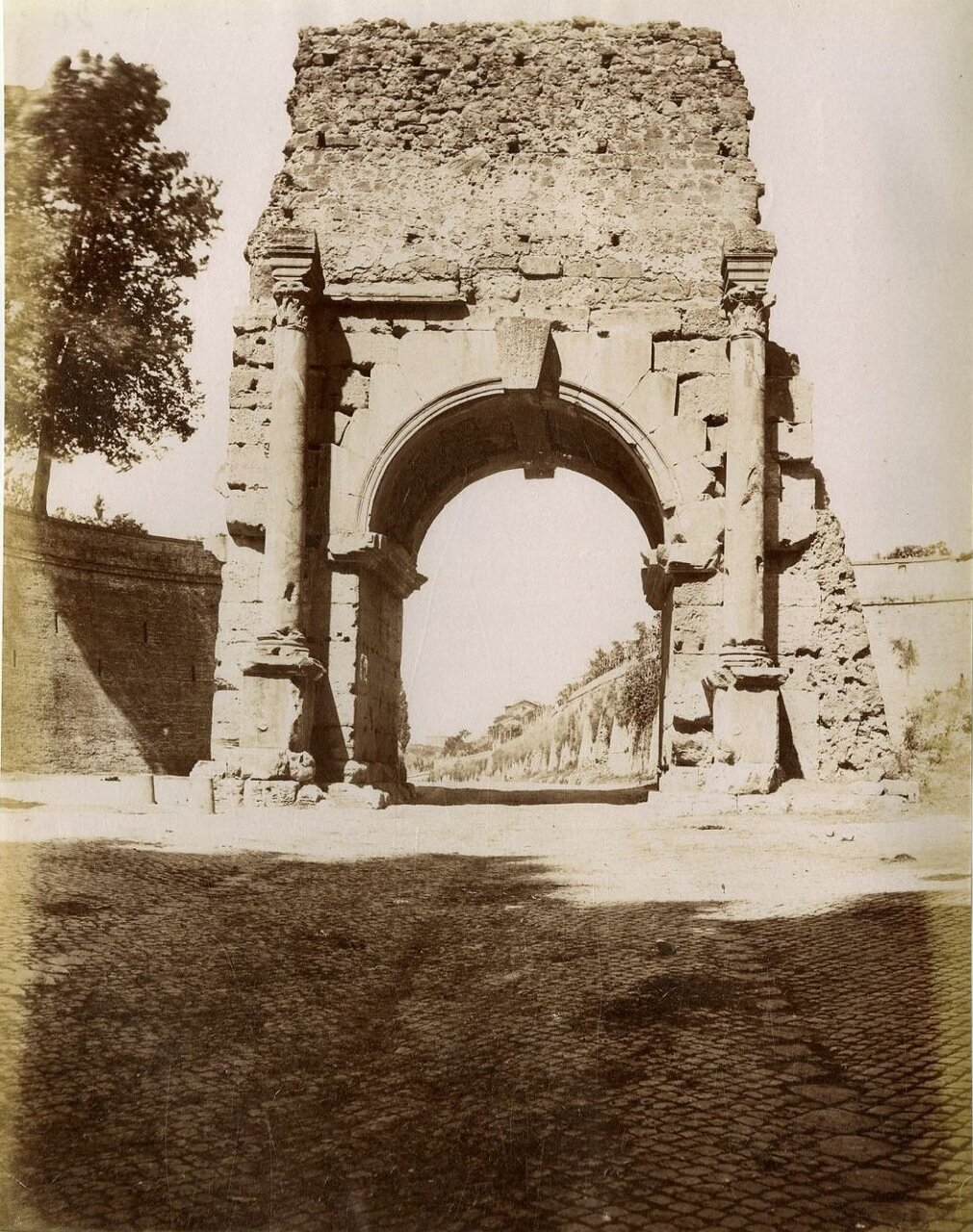 Триумфальная арка Друза