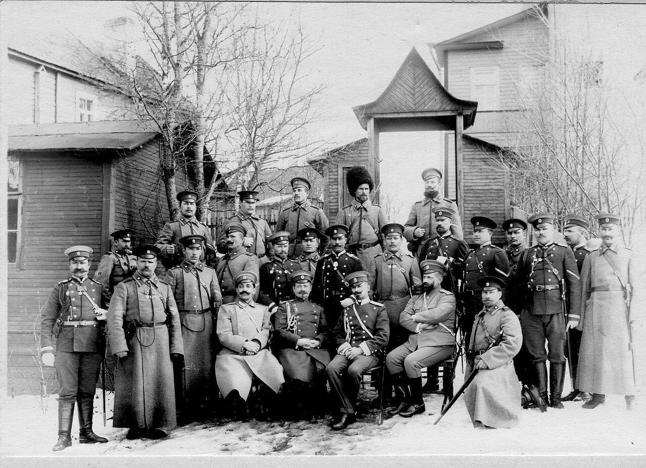 54. Группа пограничников Раяйокского отряда. Белоостров. 1908