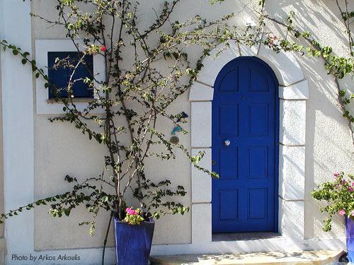 декор входа средиземноморский стиль