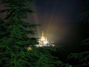 Вид на Форосскую церковь ночью