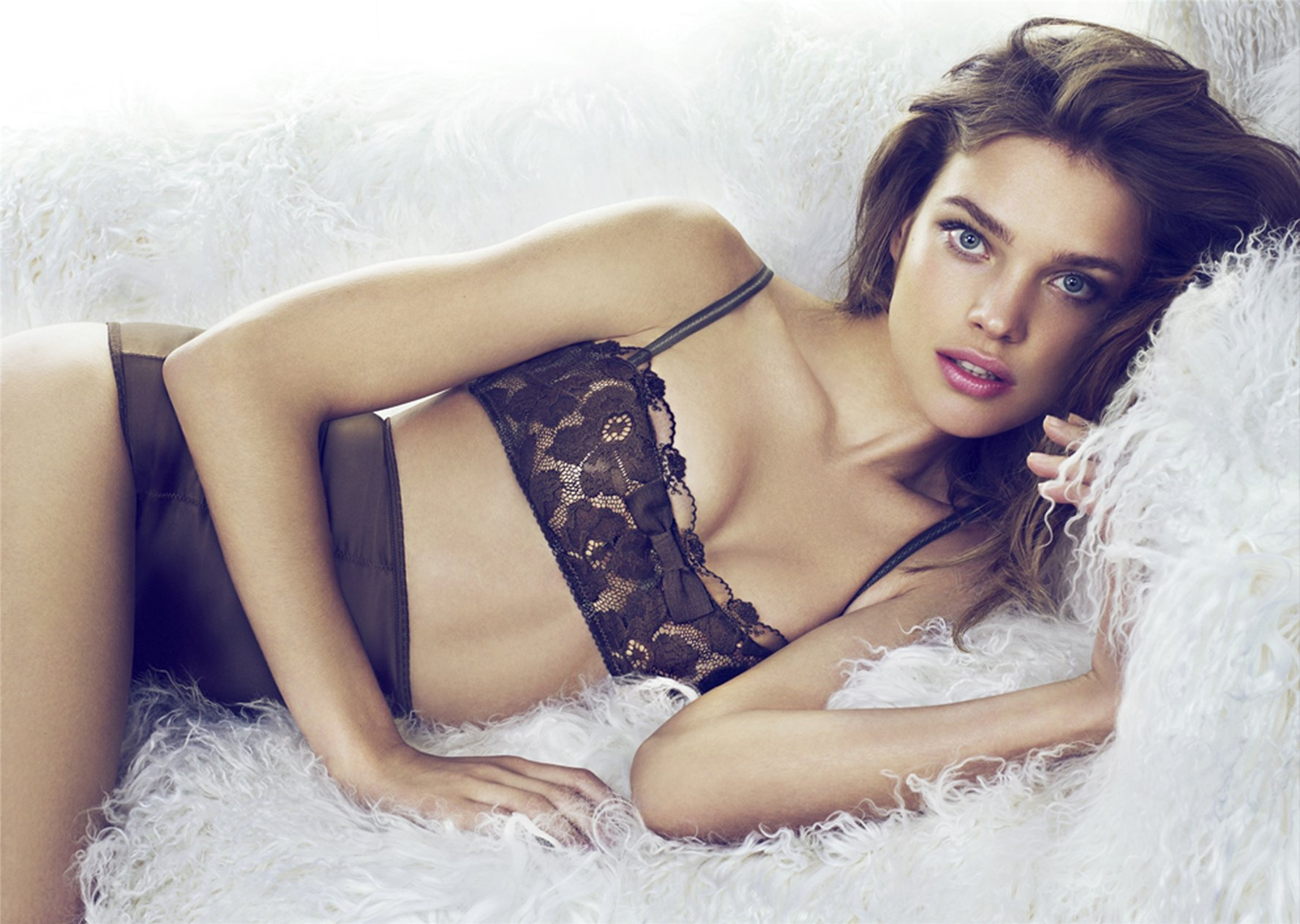Наталья Водянова / Natalia Vodianova for Etam Fall 2010 / lingerie