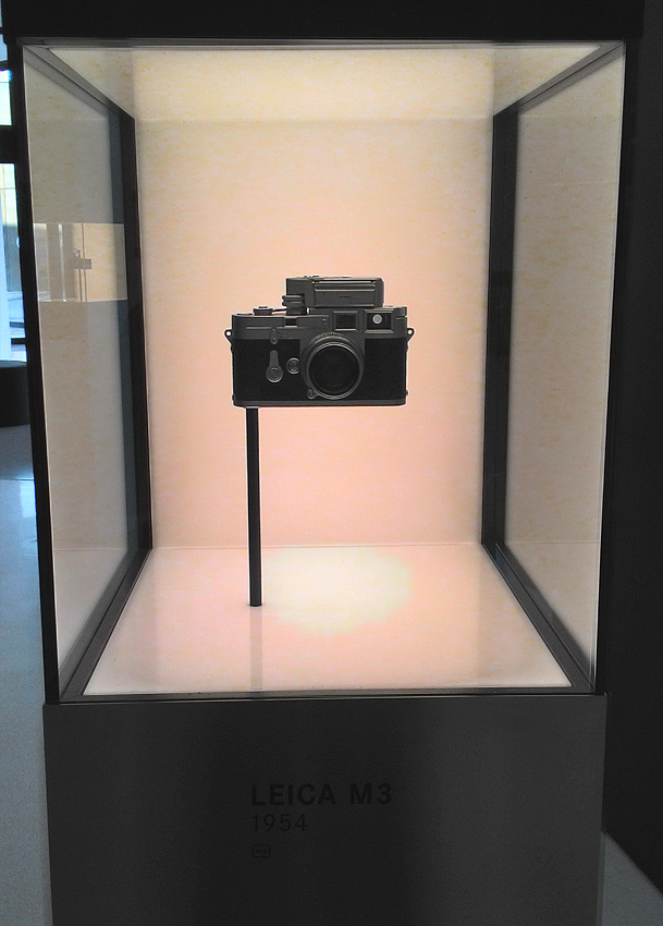 12. Фотоаппарат-легенда: Leica-M3