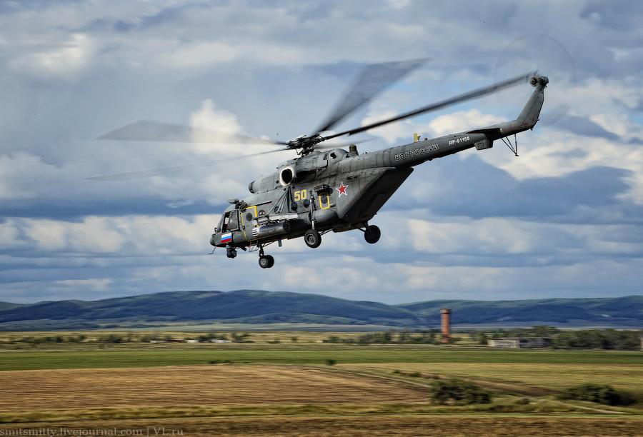"""Российский боевой самолет впервые совершил посадку и взлет на федеральной трассе М-60 """"Уссури&q"""