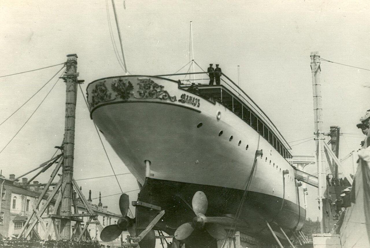 05. Спуск крейсера второго ранга «Алмаз» на воду. 2 июня 1903 года
