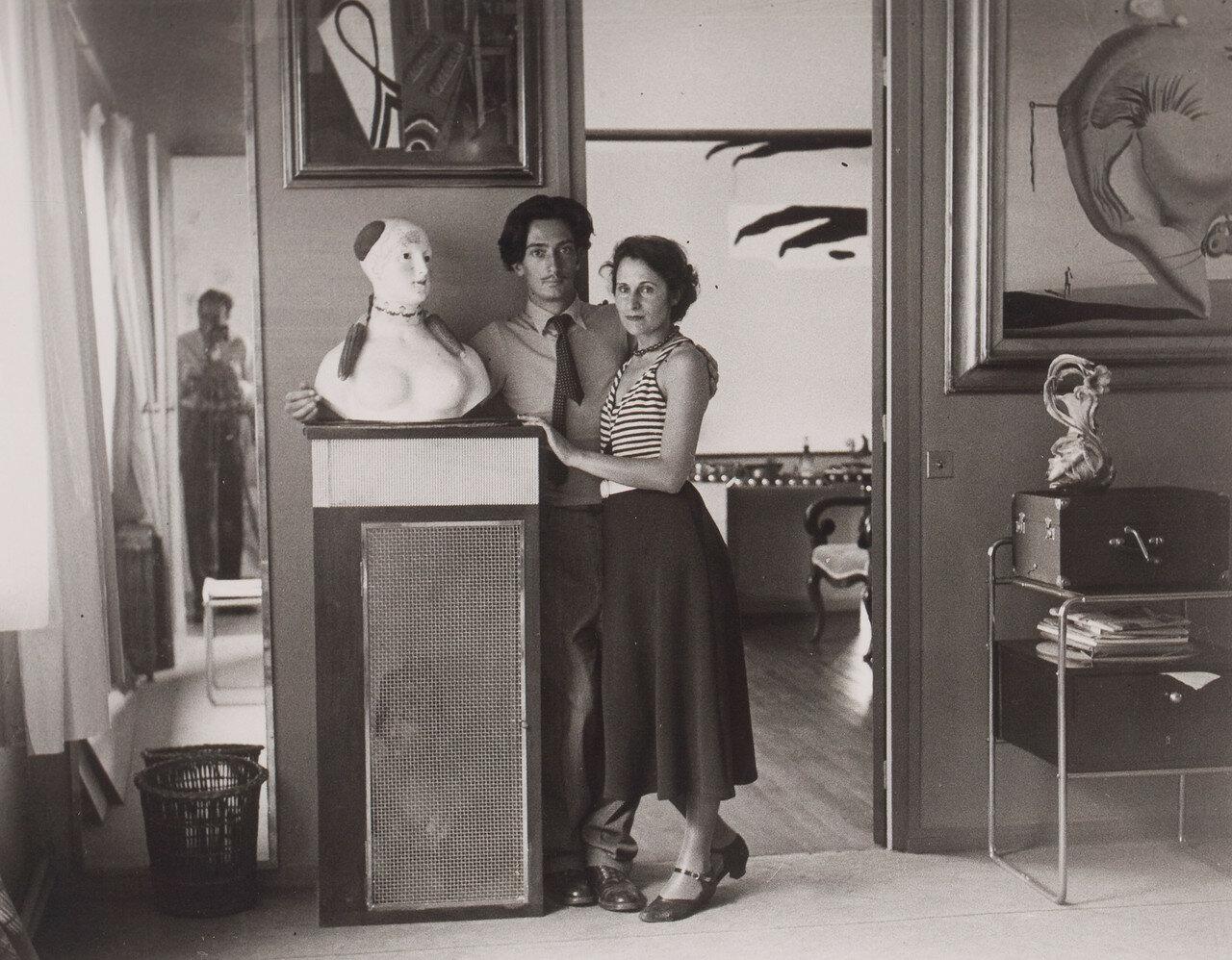 1932.  Сальвадор Дали и Гала