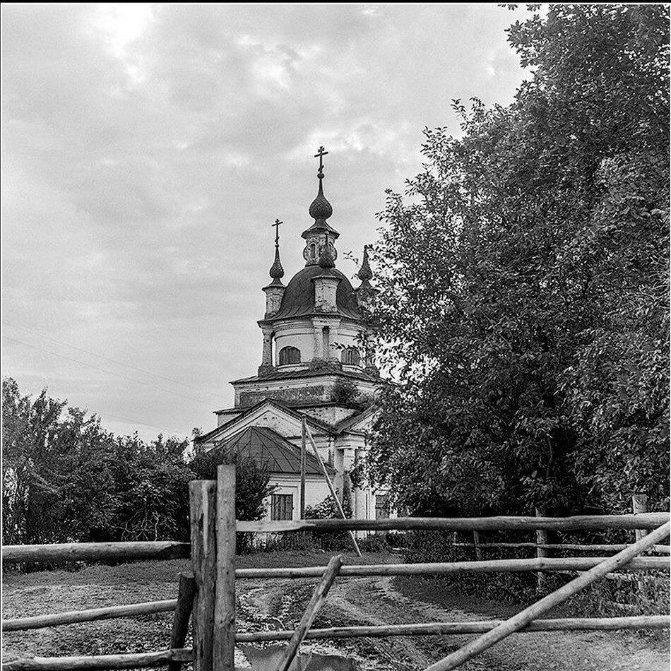 Окрестности Галича. Троицкая церковь села Чмутово