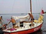 Такой выглядела регата с борта яхты и берега Волги