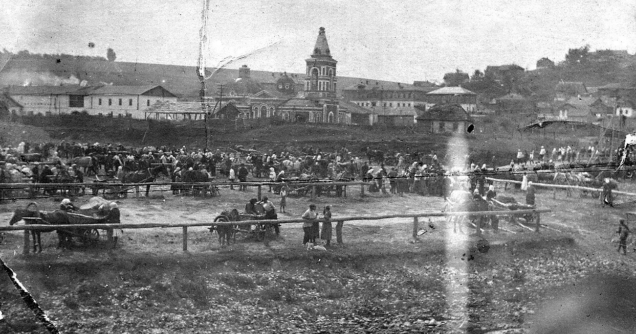 Окрестности Калуги. Ярмарка в селе Дугненский завод в начале XX века