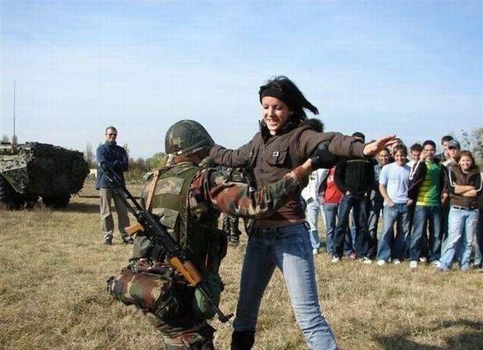 Смешные армейские будни hilarious_army_photos_07