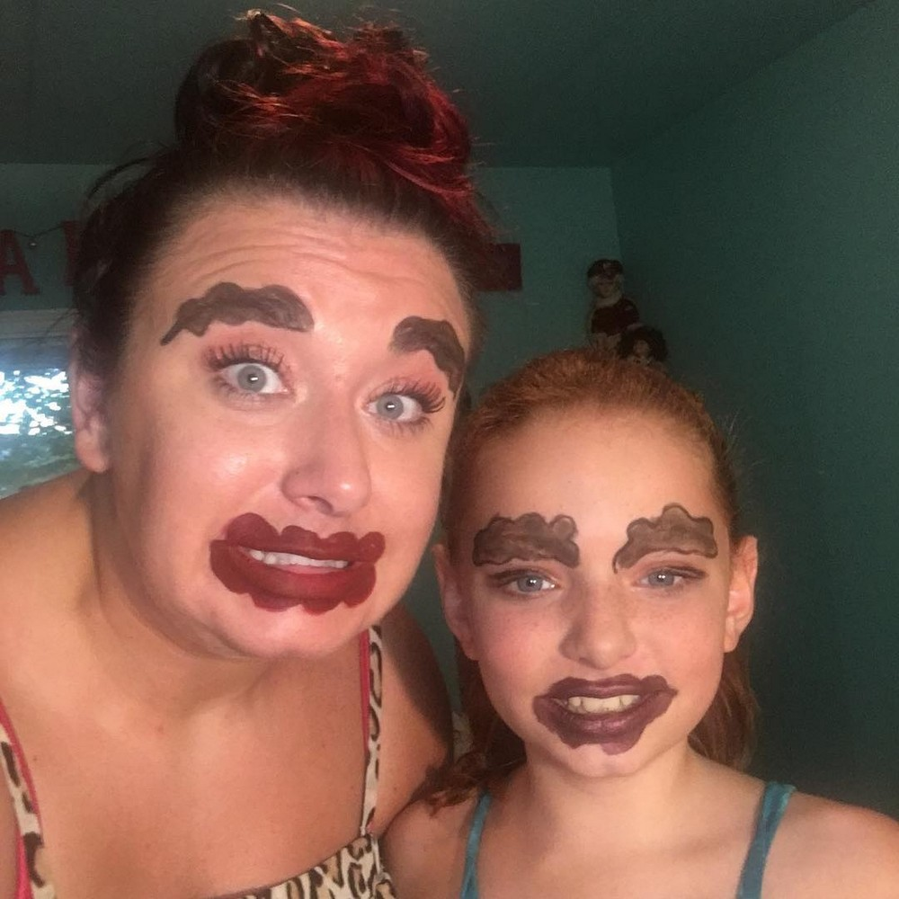 Новый модный тренд: волнистые губы