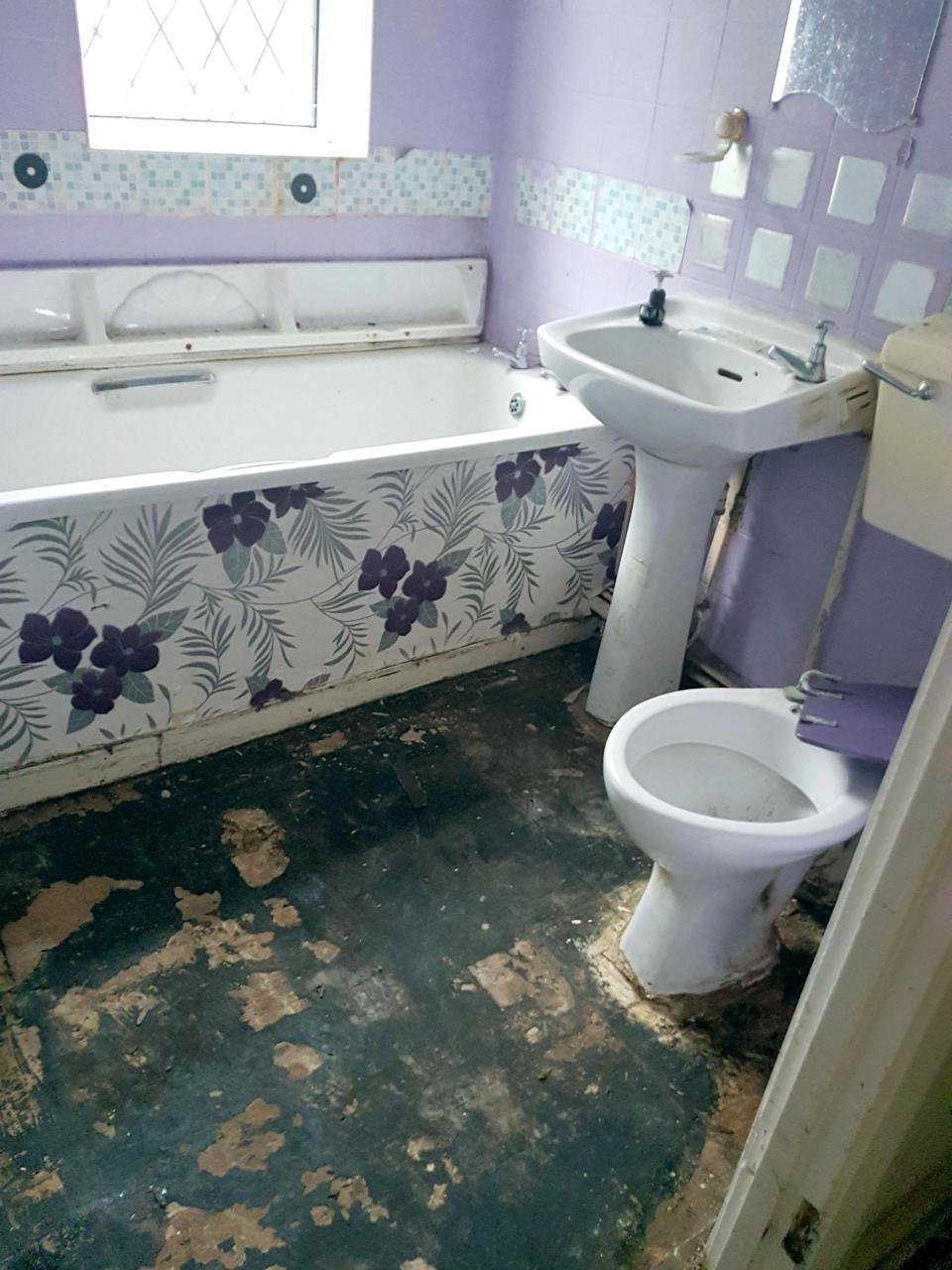 Мама двоих детей в шоке от жилья, предложенного Советом Бирмингема