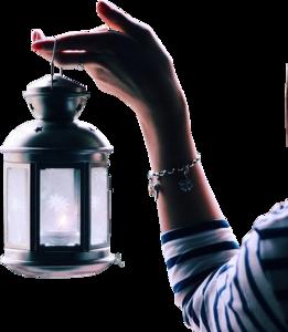 рука с фонарем