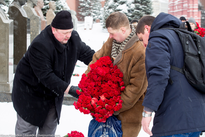 Москва торжественно помянула Сталина (фото) GA8A9911.jpg