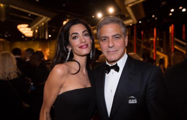 © East News  В2008 году Клуни вместе сБрэдом Питтом иМэттом Деймоном основали организацию N