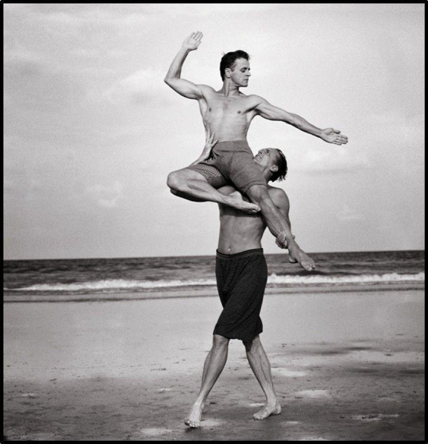 10. Советский, а позже американский артист балета Михаил Барышников и Роб Бессерер, 1990 год.