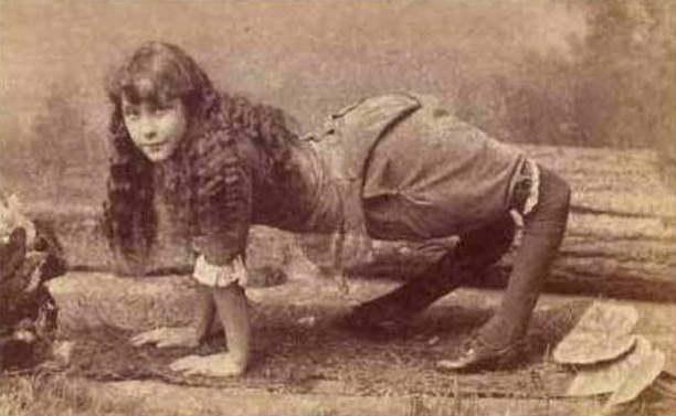 Элла Эванс Харпер Сэйвли (англ. Ella Evans Harper Savely; 5 января 1870, Хендерсонвилл, округ Самнер