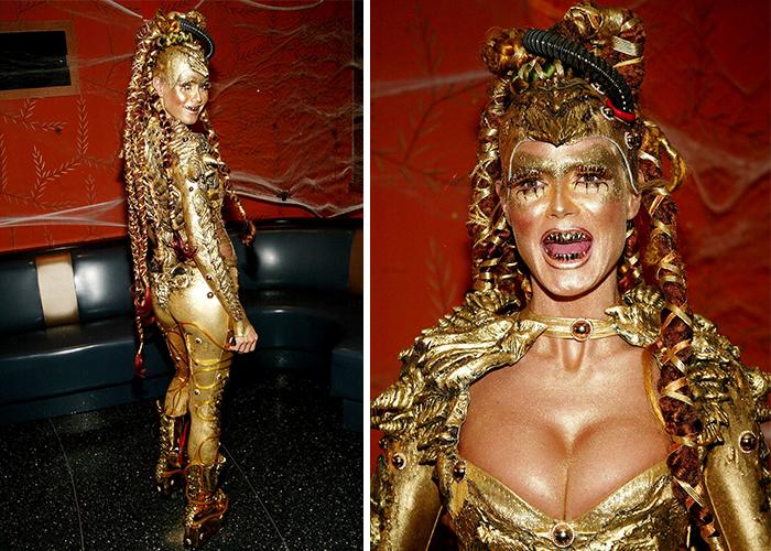 2003 год: золотая девушка-инопланетянка    В этот год модель была пришелицей с