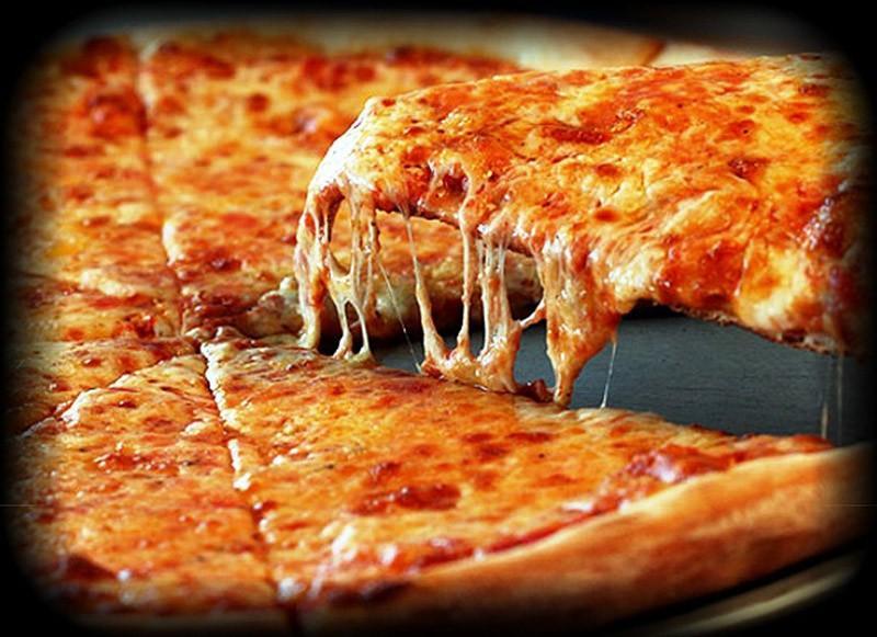 6. Италия: пицца   Пицца известна во всем мире, так что нет смысла представлять вам это блюдо.