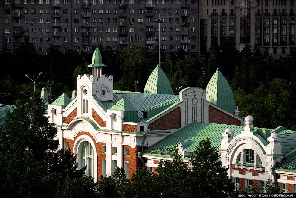 18. День города в Новосибирске ярко отмечают в последнее воскресенье июня.