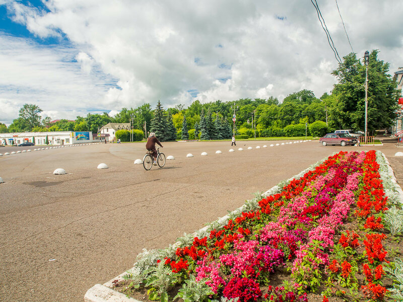 Площадь Клавдии Назаровой.