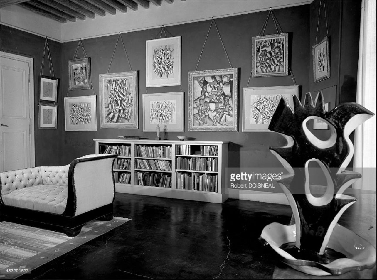1954. Картины и скульптура из коллекции знаменитого собирателя современного искусства Дугласа Купера, выставленной в его собственном «Chateau de Castille» в Аргилье